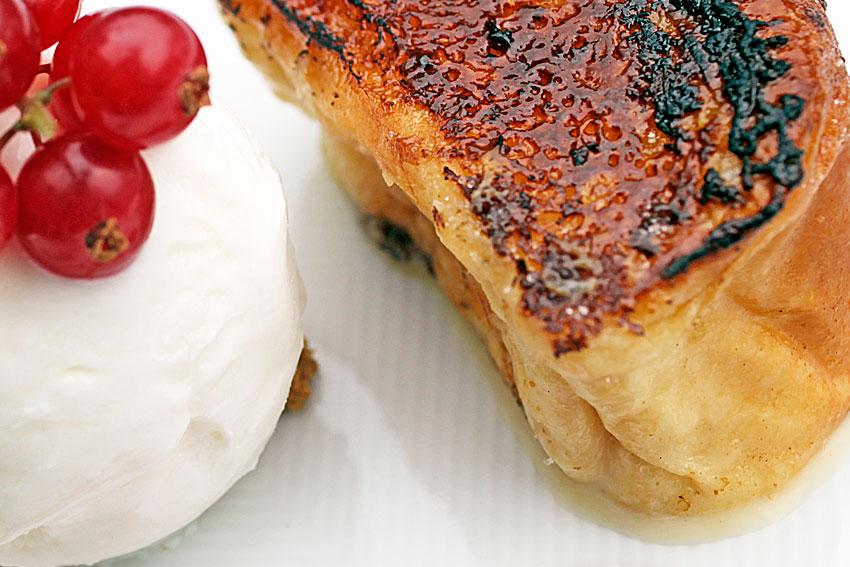 Karamelizatutako-tostada-izozkiarekin-3